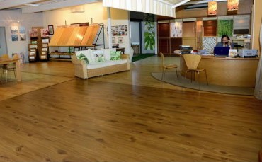 Ideco_showroom manufacturer and retailer of blinds and floorings